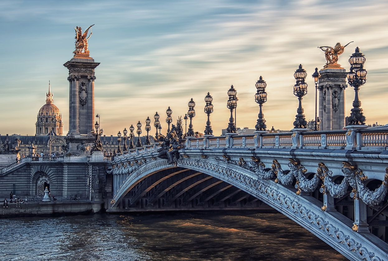 SIX ROMANTIC THINGS TO DO IN PARIS