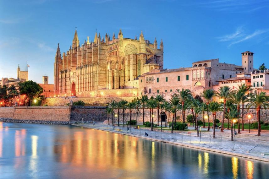 8 THINGS TO DO IN MAJORCA