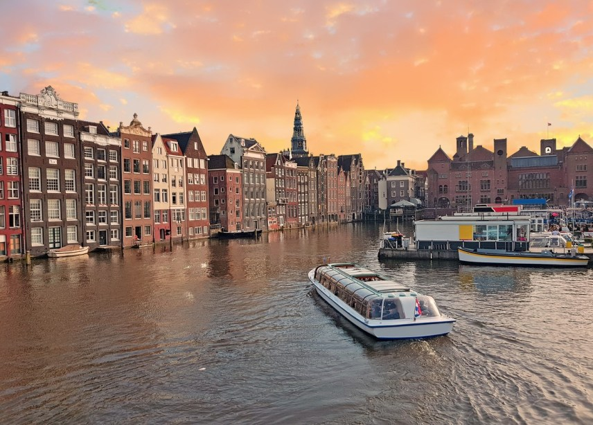 5 THINGS TO DO IN AMSTERDAM FOR COUPLES